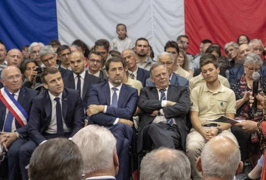 Politique | Emmanuel Macron dans les Alpes : «On sait qu'on est passés au-dessus des 500 loups» | La Provence