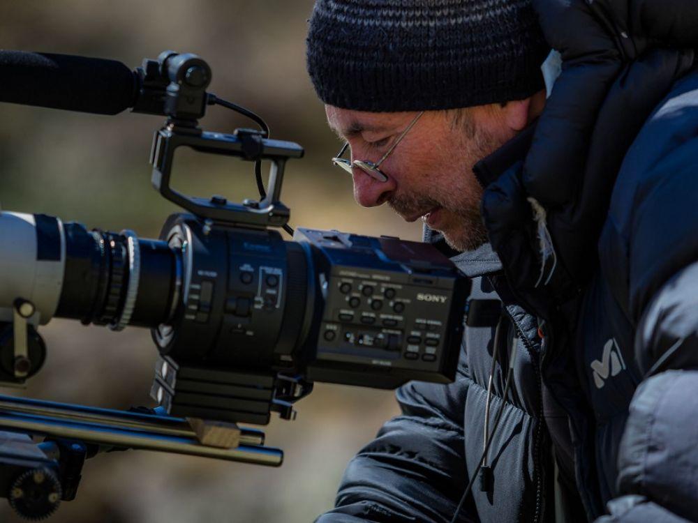 Polémique autour de la sortie du film Marche avec les loups – Sciences et Avenir